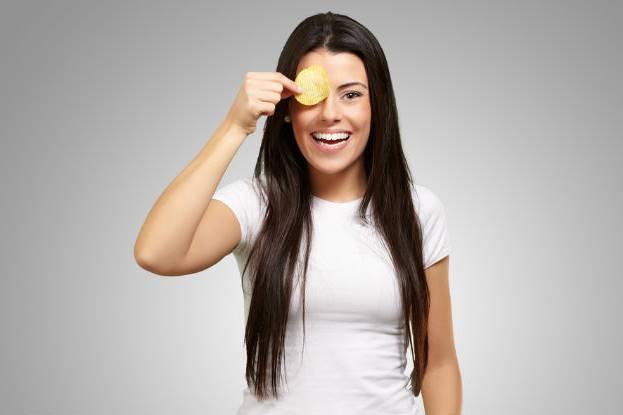göz altı morlukları için ev yapımı patates maskesi tarifleri ve cilde uygulama