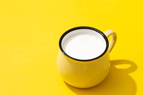 Süt yoğurt bal limon maskesi yapımı