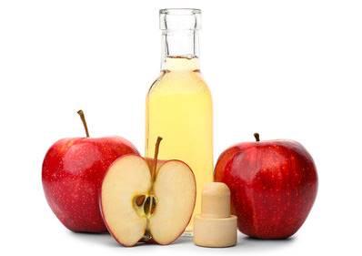 kafa derisindeki kabuklar için elma sirkesi kullanımı